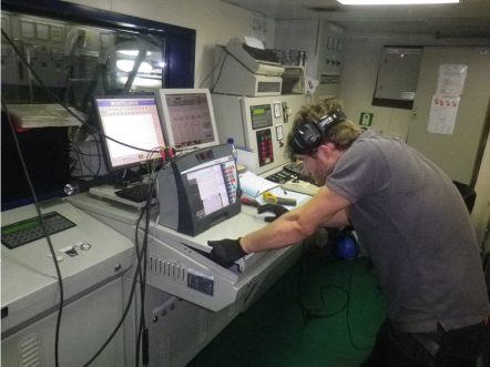 electrical power data collection on ship ECR
